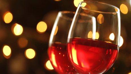 789309-wine-glasses